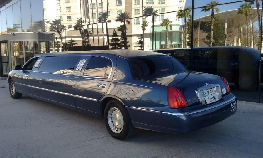 Limusina Lincoln 4 alquiler coches de boda madrid marbella ibiza barcelona valencia