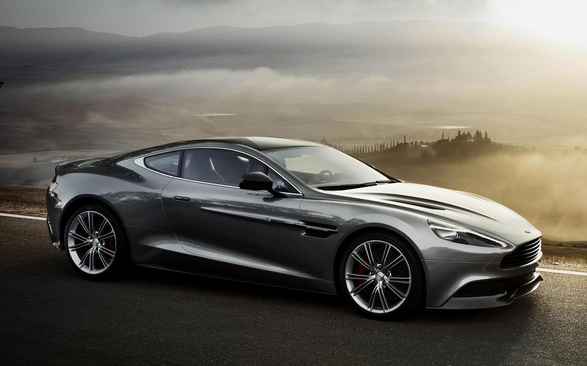 Aston Martin Rapide alquiler coches de lujo madrid marbella ibiza barcelona valencia