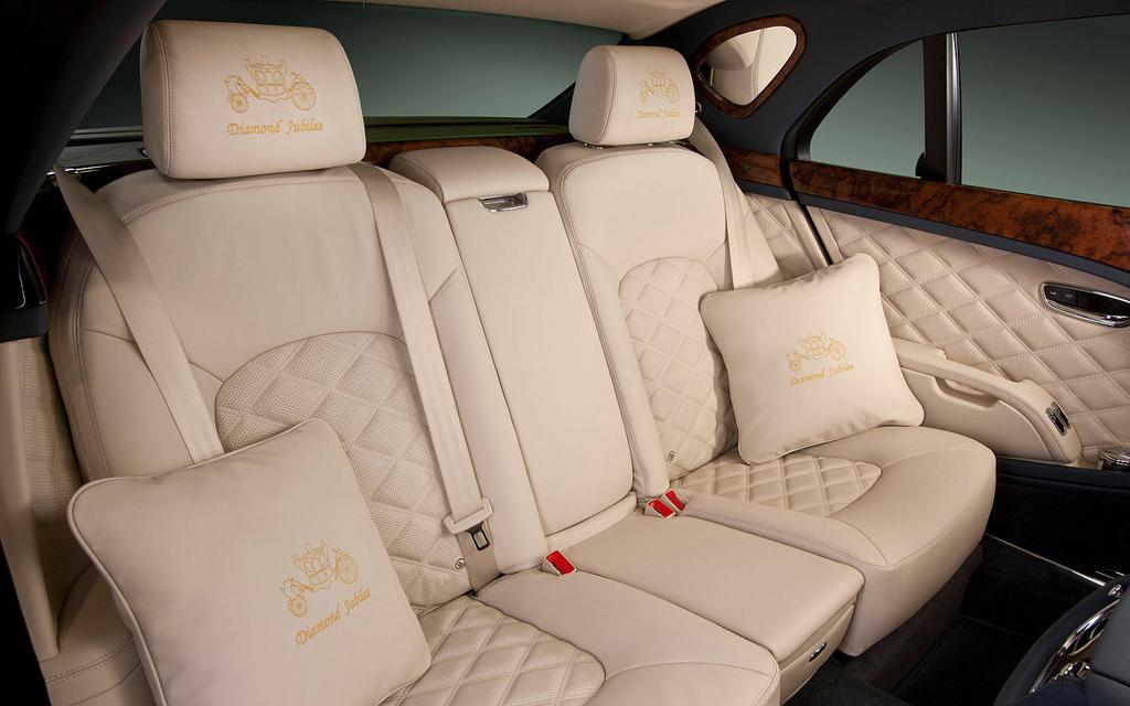 bentley-mulsanne-interior alquiler coches de lujo madrid marbella ibiza barcelona valencia